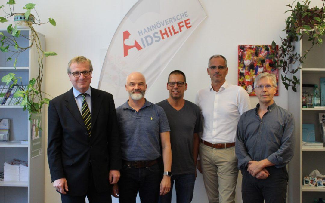 Urologengenossenschaft Hannover eG spendet für den CheckPoint Hannover
